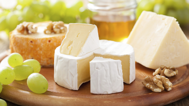5 Reasons Science Says It's OK to Eat More Cheese