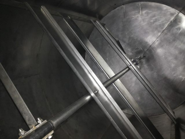 Stainless steel tanks 4 cubic meters, with border and mixer Italy (115625)